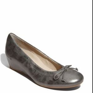 paul green Ivana wedge bow tie pump in metallic